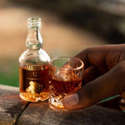 maroon spice boisson cannelle racine caraïbes caribbean rhum épicé authentique mignonette